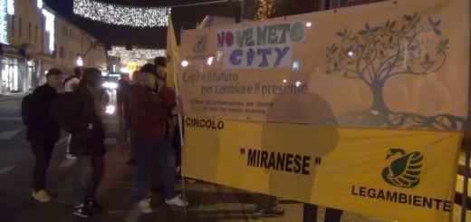 Manifestazione no veneto city